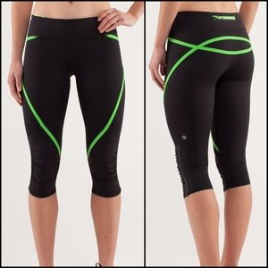 Lululemon Black Green Run Pace Crop Leggings 6